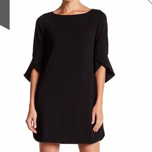 EUC Vince Camuto Bell Sleeve Little Black Dress 12